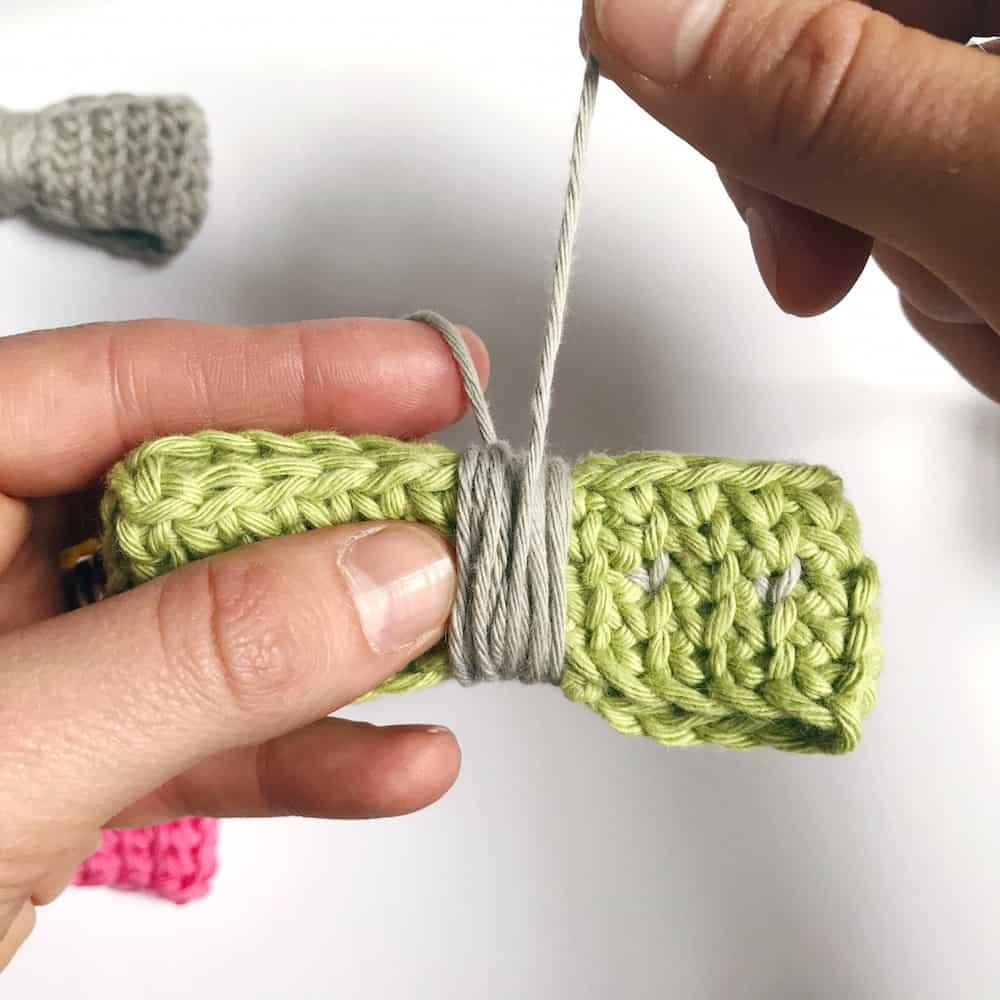 free crochet bow tie pattern
