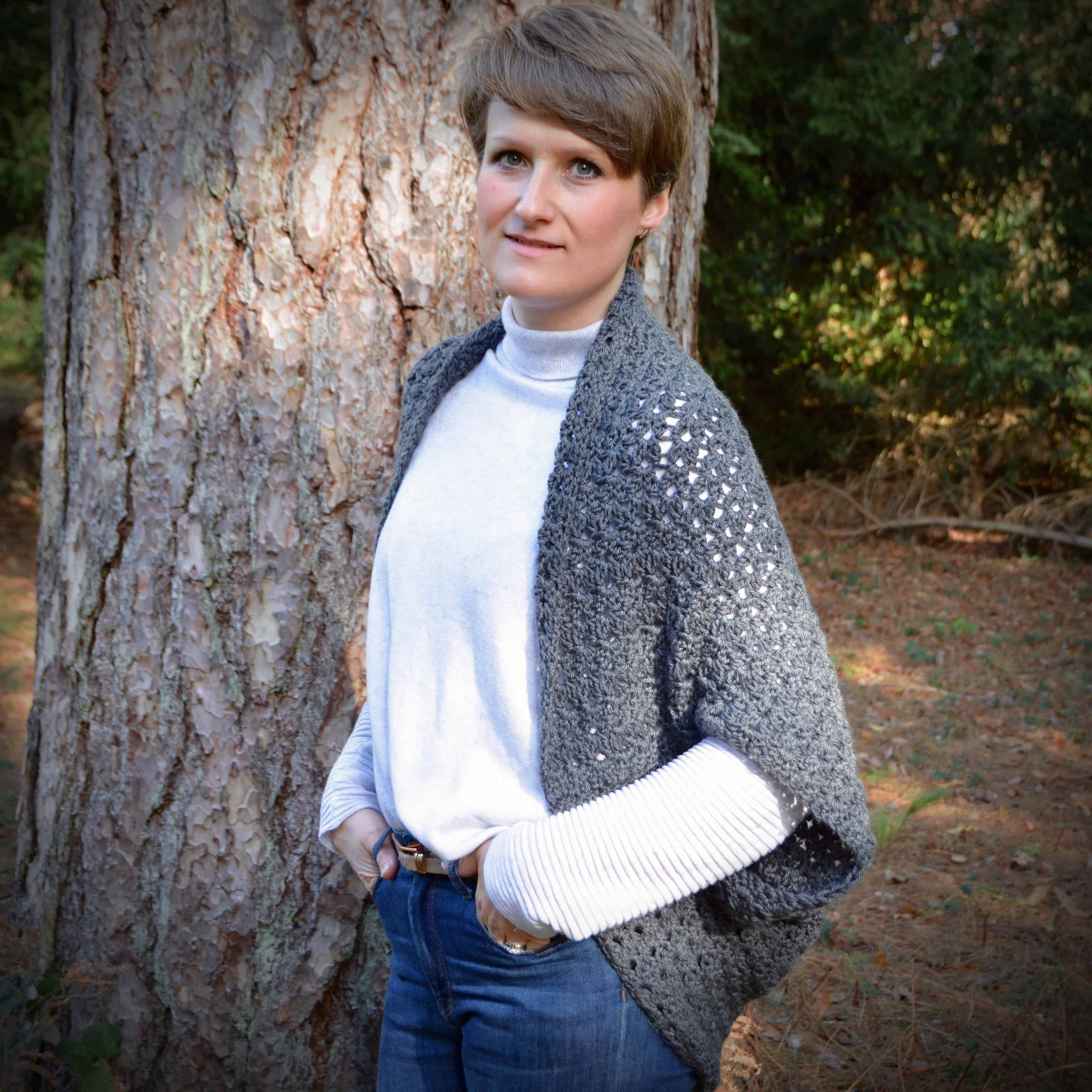 free crochet pattern the autumn cluster cardigan by Hannah Cross