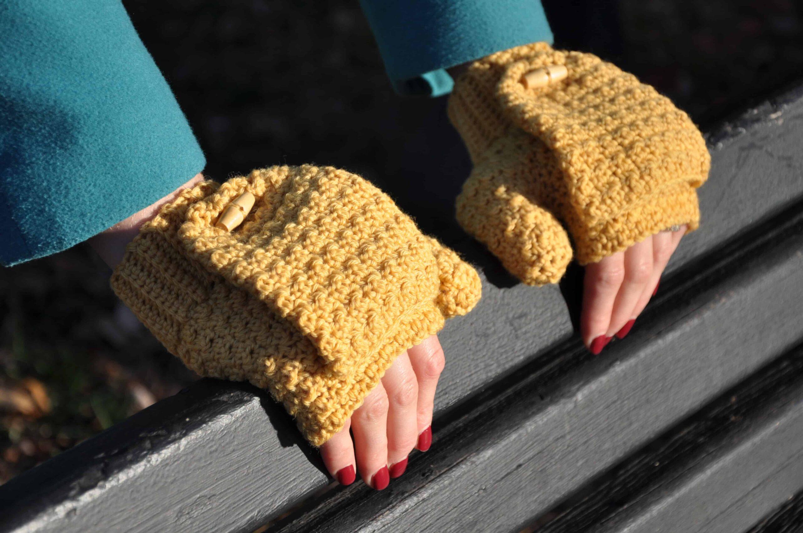 free crochet mitt pattern Hannah Cross, HanJan Crochet