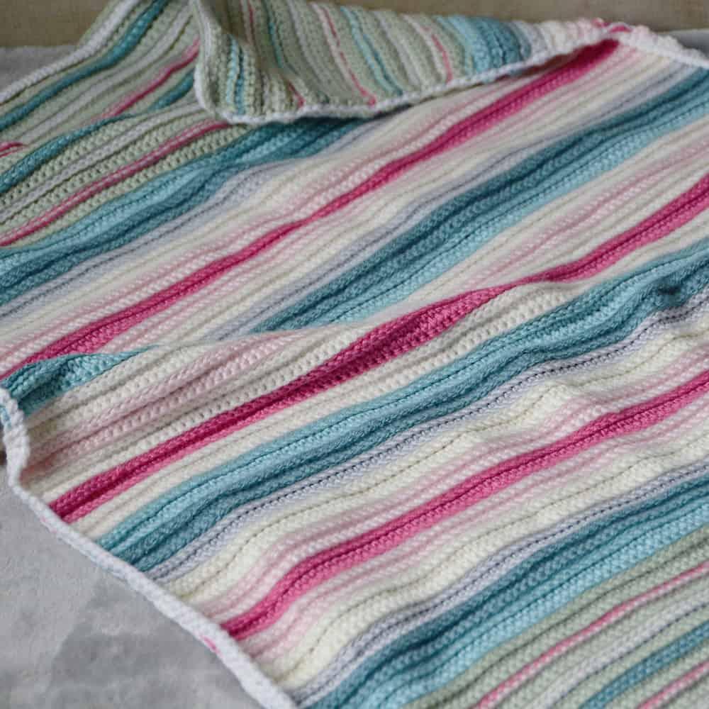 soothing stripes crochet blanket free crochet pattern, beginner crochet pattern