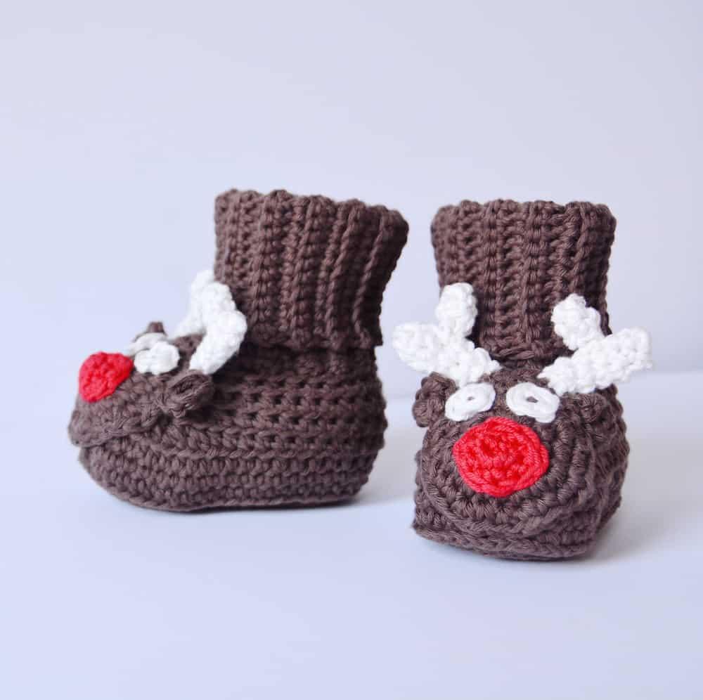 Reindeer crochet baby boots, free crochet pattern