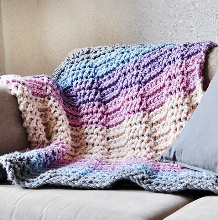 knit look crochet throw blanket free crochet pattern by Hannah Cross