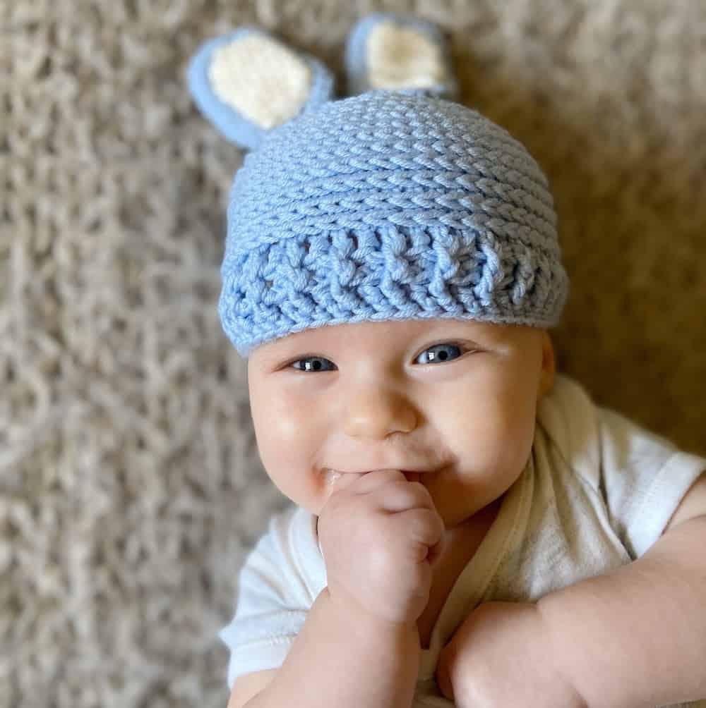 Crochet baby bunny hat, free crochet pattern by Hannah Cross, HanJan Crochet, baby beanie, bunny ears, easter crochet, easter fancy dress, newborn photo prop,