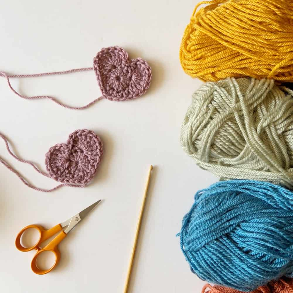 how to crochet a heart, the heart appeal, how do I crochet a heart, easy free crochet pattern