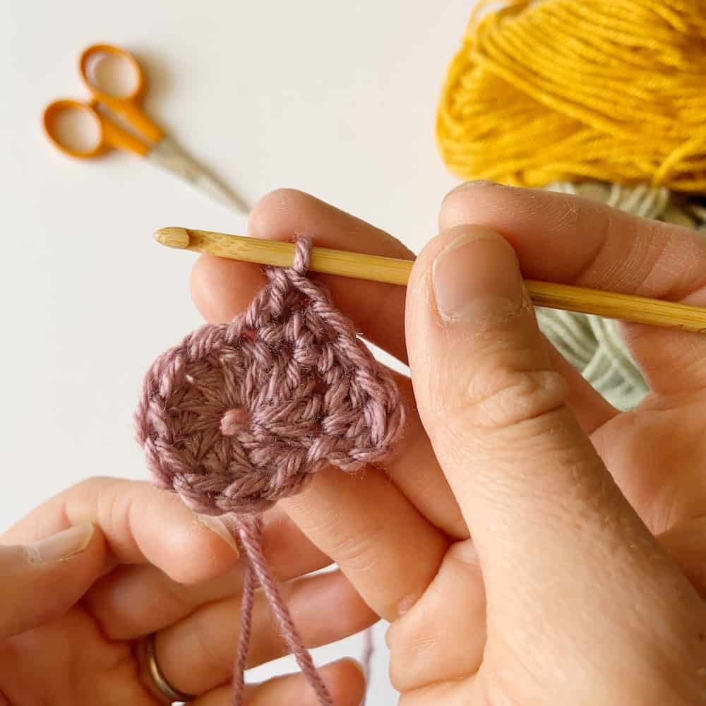 How to crochet a heart, simple and easy crochet step by step photo tutorial to crochet a heart. The heart appeal, I hold your heart in my hand.