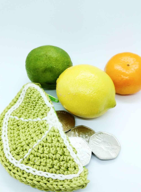 crochet lime coin purse, a free crochet pattern