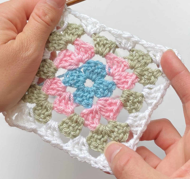 four round crochet granny square motif