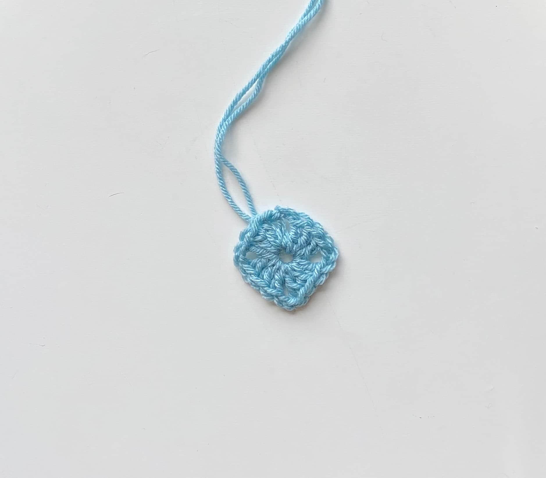 blue crochet granny square