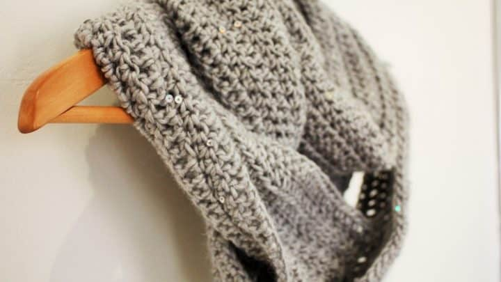 easy beginners crochet scarf