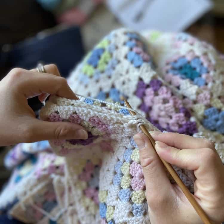 seaming a granny square crochet blanket