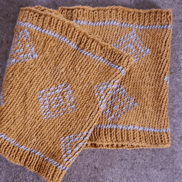 yellow and white crochet scarf