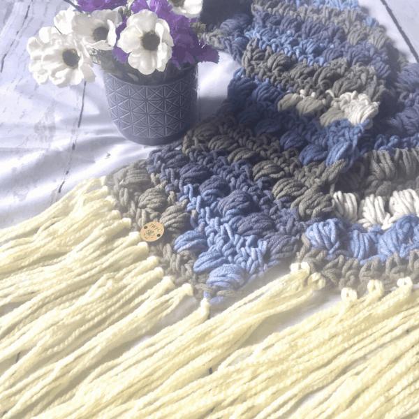 blue and cream crochet scarf