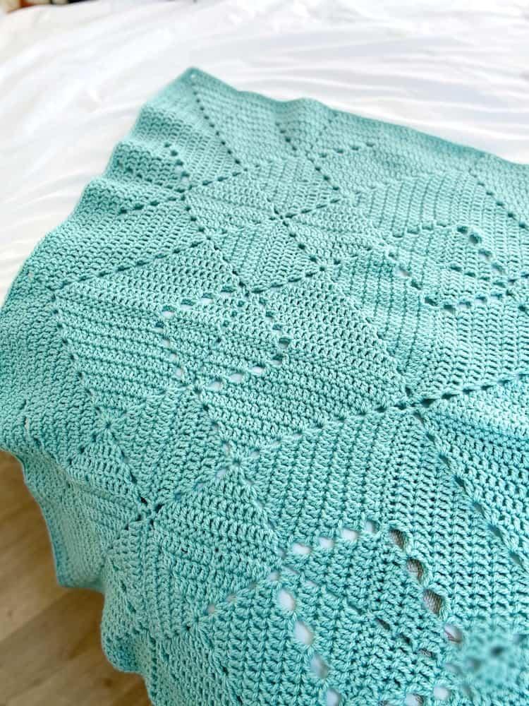 Solid Granny Square Criss Cross Crochet Blanket pattern 3