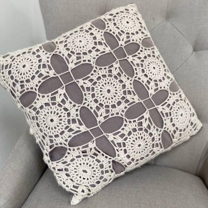 Crochet Lace Square Cushion 1a