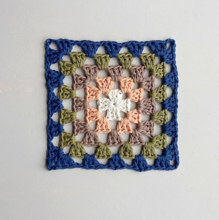 multi coloured crochet granny square