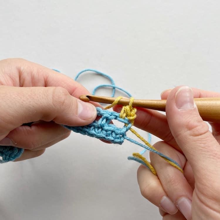 Double Crochet Moss Stitch Step 6