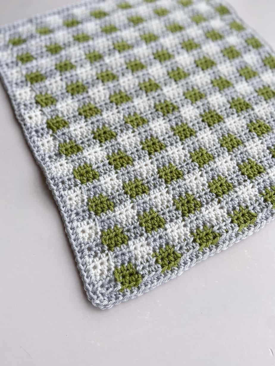 Green, grey and white modern crochet plaid blanket pattern