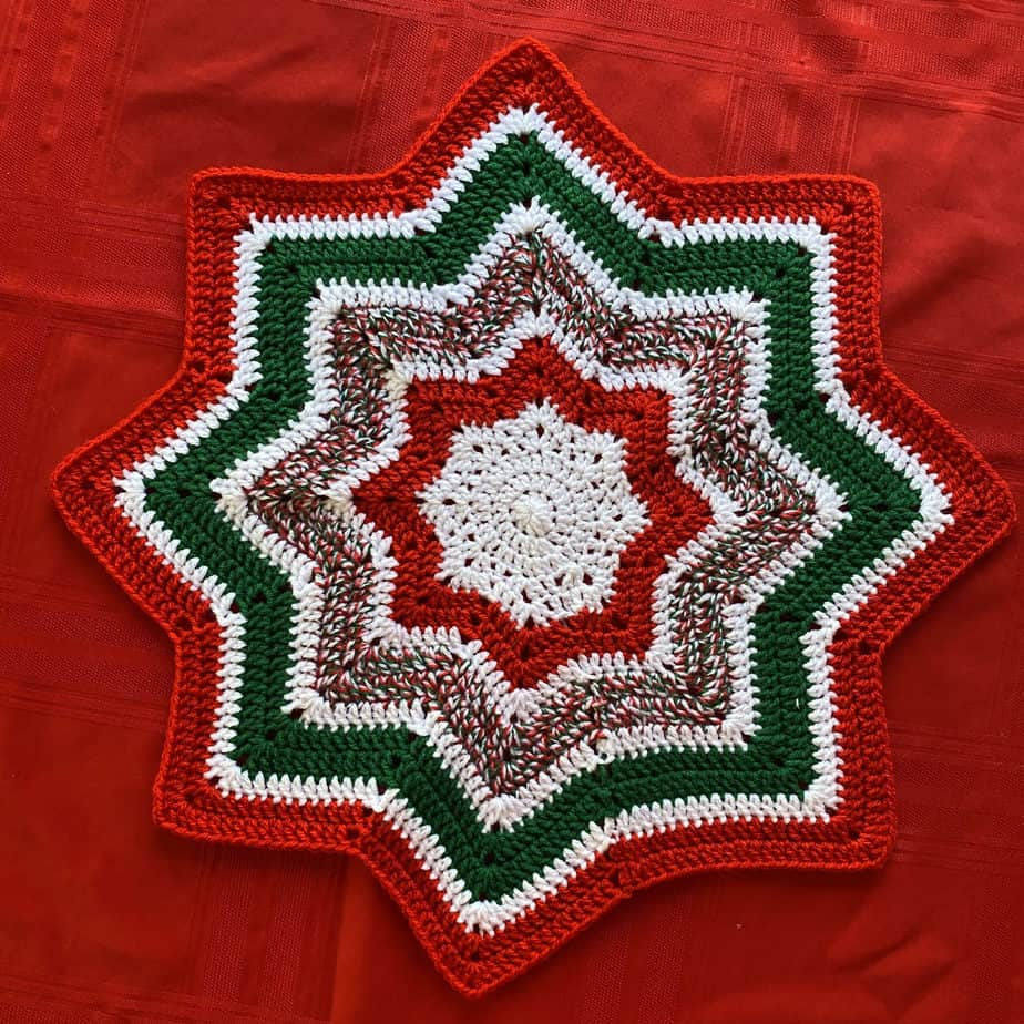 Christmas Star Table Mat CrochetandTwists 1 scaled